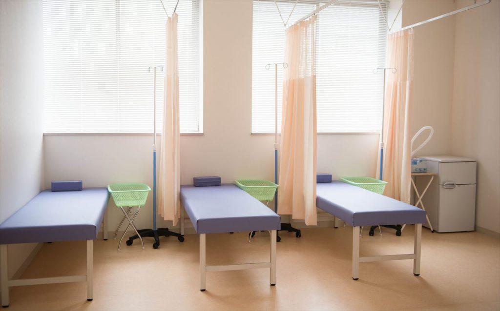 クリニックの処置室